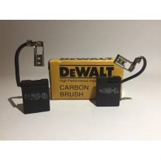Щетки угольные DeWalt 6,3*16*24 403485-03 для болгарок DW499, DW852, DW496