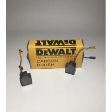 Щетка графитовая с отстрелом DeWALT 6,3x10 для болгарки D28110,D28112,D28402,D28402N